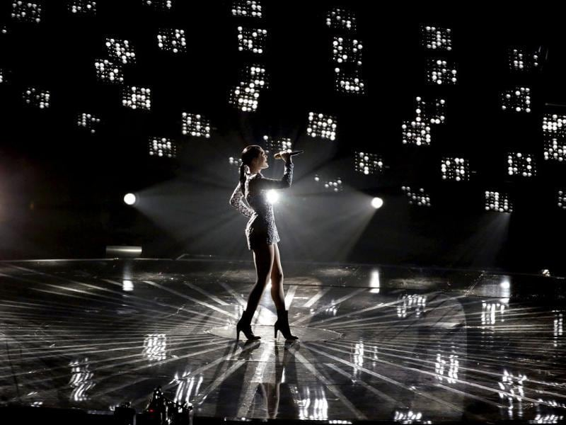 Jessie J performs 'Bang-Bang' on stage during the 2014 MTV Video Music Awards in Inglewood, California. (Reuters)