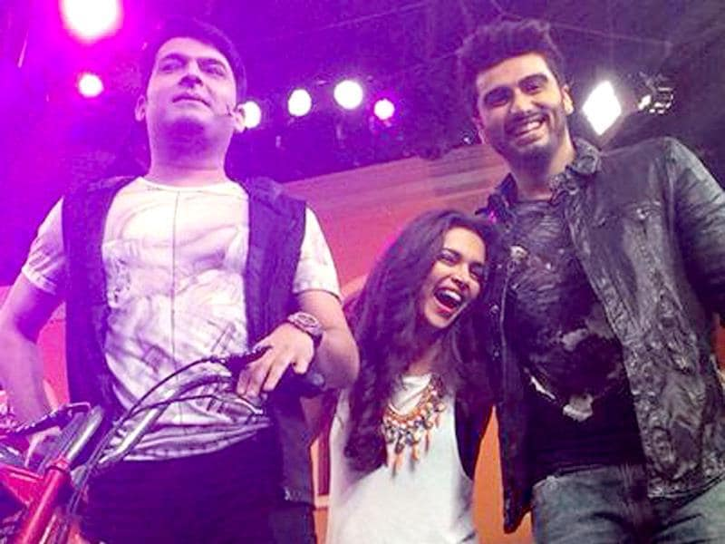 Arjun Kapoor and Deepika Padukone on the sets of Comedy Nights with Kapil.