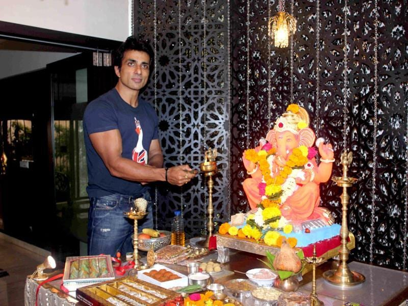 Actor Sonu Sood during the Ganesh Chaturthi celebrations at his residence in Mumbai on Aug 29, 2014. (Photo: IANS)