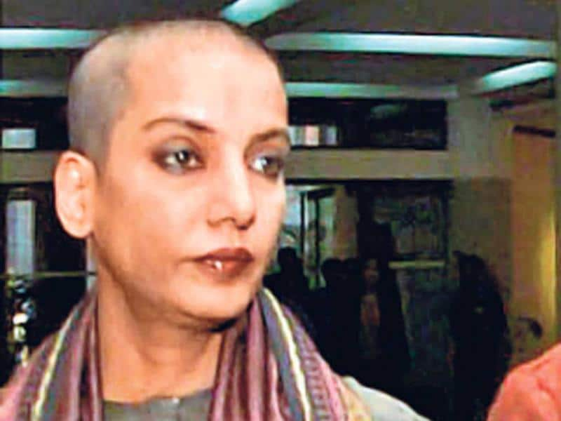 Shabana Azmi took the bold step of shaving off her long mane for film-maker Deepa Mehta's Water (2005). However, the film got shelved in 2000 due to political reasons. It later got made in 2005, and actor Seema Biswas replaced Shabana.