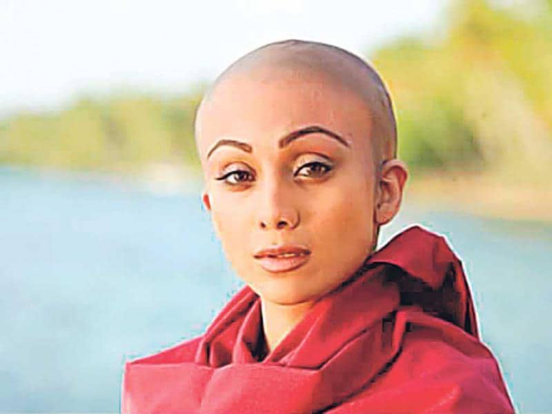 Shilpa Shetty sported a bald look for The Desire (2010), but hadn't shaved off her head. Prosthetic make-up helped her get the look, and she had revealed: