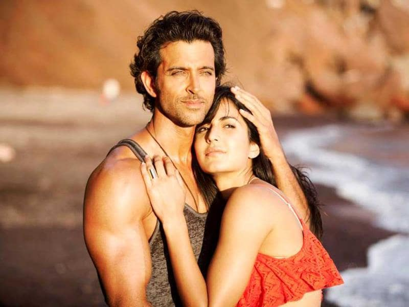 Hrithik and Katrina strike a romantic pose in Bang Bang.