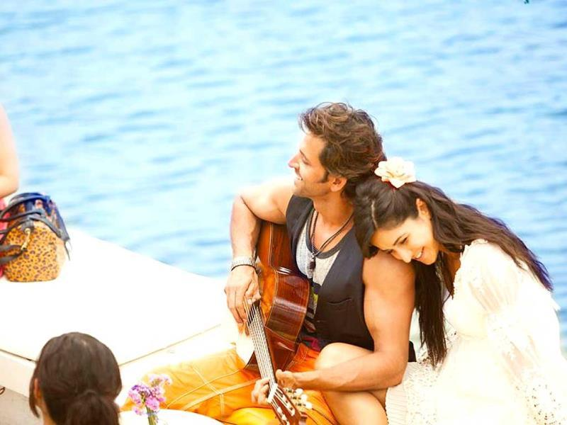 Hrithik Roshan romances Katrina Kaif in a song from Bang Bang.