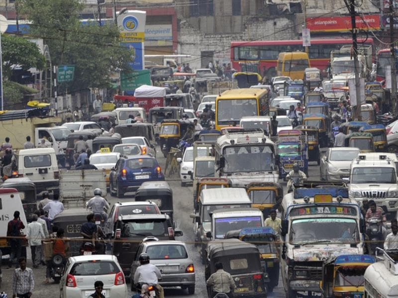 Traffic jam at Hamidia Road in Bhopal on Wednesday. (Praveen Bajpai/HT photo)