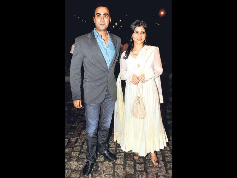 At Nikitin Dheer and Kratika Sengar's wedding reception, Ranveer Shorey and Konkona Sen Sharma (left) were seen in public after a long time. (Photos: Yogen Shah)