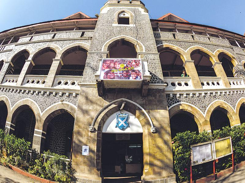 Wilson CollegeThough the exterior has been recently painted (it has, so far, had a natural, stone facade), the 182-year-old structure on Chowpatty hasn't lost its charm.
