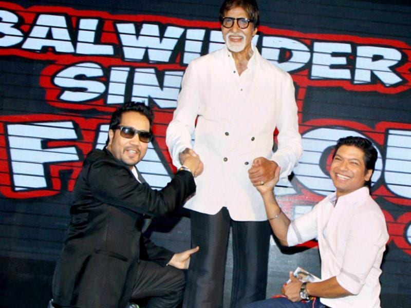 Shaan and Mika Singh seem too overwhelmed sharing the stage with superstar Amitabh Bachchan at the music launch of Balwinder Singh Famous Ho Gaya in Mumbai on Tuesday. (PTI Photo)
