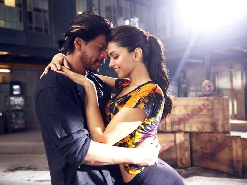 Deepika swoons over Shah Rukh Khan in Happy New Year.