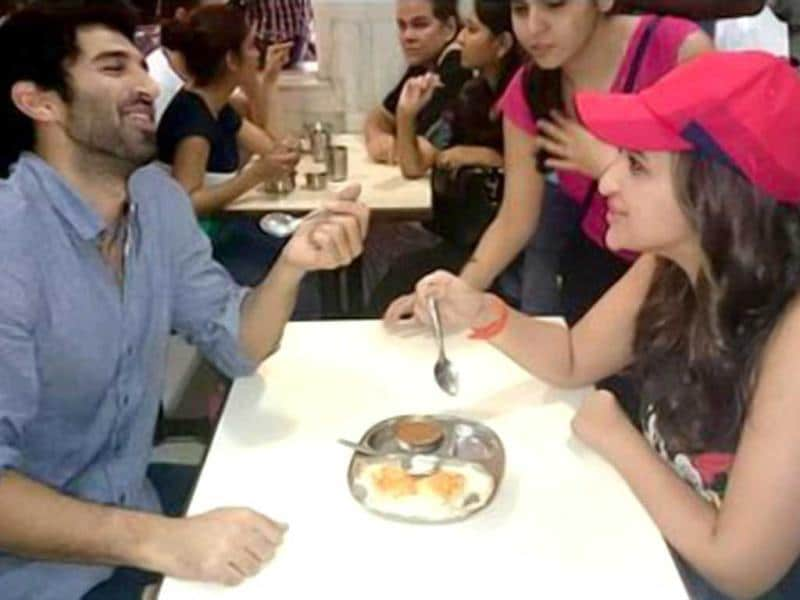 Food amuses, or is it company? Parineeti Chopra and Aditya Roy Kapur on their #FoodYatra to promote Daawat-e-Ishq.