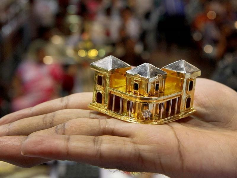 Gold and diamond offerings made by a devotee at Lalbaugcha Raja Mandal is shown at a auction in Mumbai. (Kalpak Pathak/HT photo)