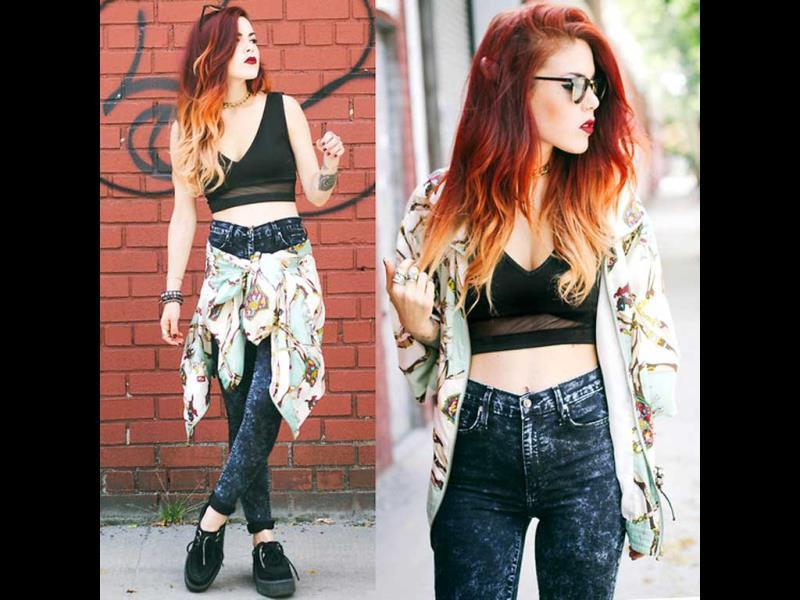 A pair of comfy jeans, black crop top and floral shirt is the ideal street style wear ever!