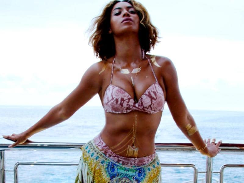 Beyonce poses on her private yacht. (Beyonce.com)