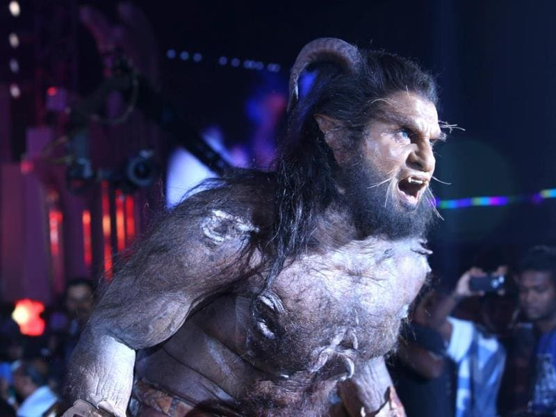 Vikram dons the Werewolf prosthetic make-up for the audio launch on September 15 of his film I, directed by Shankar.