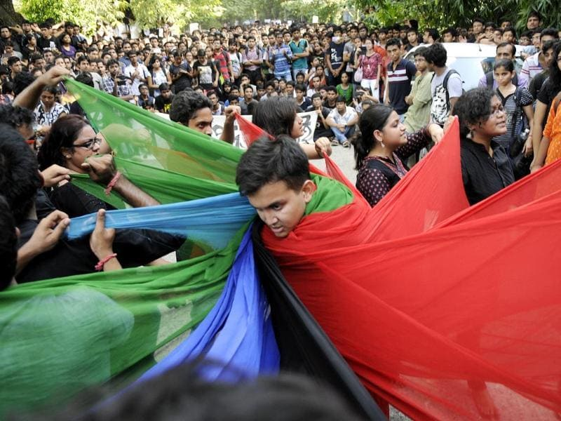 Students of Jadavpur University 'Street Play' protest against the Lathi charge by the police on students inside the JU campu and demanding the Resignation of interim Vice Chancellar Abijit Chakraborty. (Subhankar Chakraborty/ Hindustan Times)