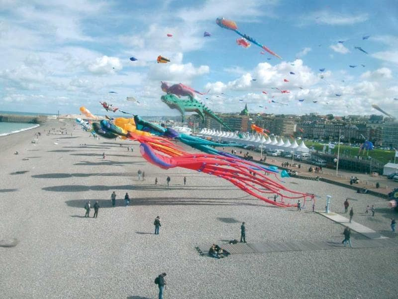 Kites on the Dieppe beach during the festival. (Photo: Dieppe Kite Capital)