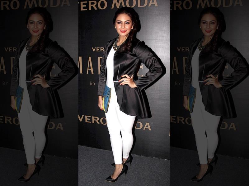 Huma Qureshi chose to go monochrome. We know it's in, but this look did not work for the beauty.