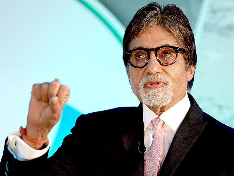 Superstar Amitabh Bachchan speaks during the launch of Dettol's Banega Swachh India nationwide initiative, a five-year-programme addressing hygiene and sanitation in Mumbai on September 25, 2014. (AFP)