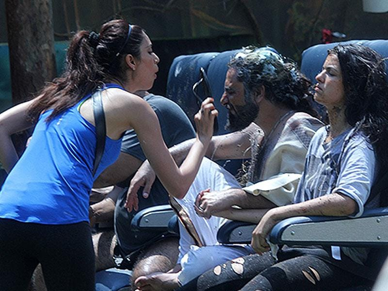 That's where it started: Karishma, as part of her task, used everything from slippers to chilli powder and chilli paste to irritate the opposing team, including Gautam.