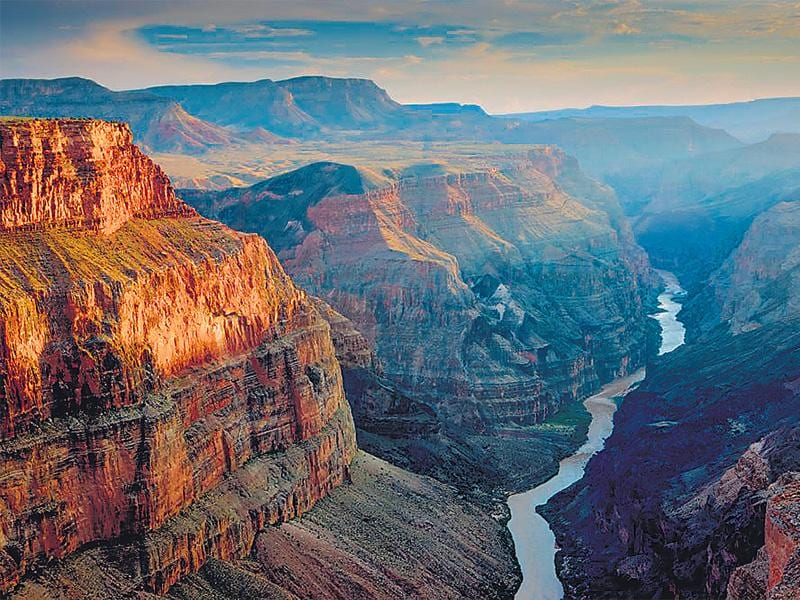 For those who love the outdoors, the following options were top draw: Grand Canyon, USA Yosemite National Park, USA Yellowstone National Park, USA Wolf Trap National Park for the Performing Arts, USA Great Smoky Mountains, USA (Source: Facebook check-ins)