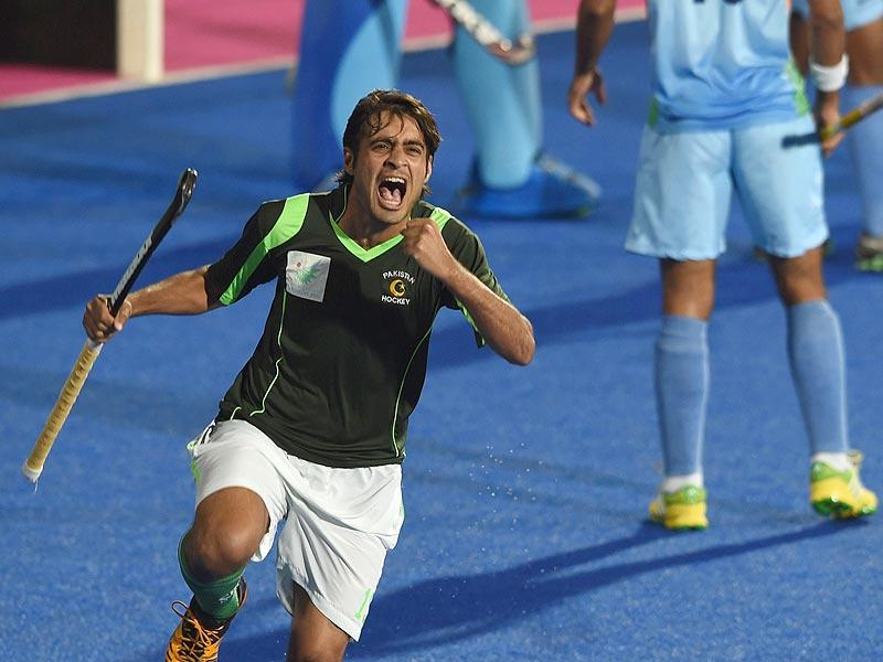 Pakistan's Rizwan Muhammad Sr celebrates a goal during the men's hockey final match of the 2014 Asian Games between India and Pakistan at the Seonhak Hockey Stadium in Incheon on Thursday. (AFP Photo)