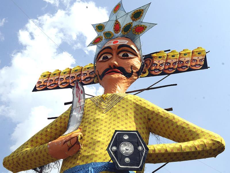 A 71-feet effigy of Ravana erected in Indore for Dussehra celebrations on Friday. (Amit K Jaiswal/HT photo)