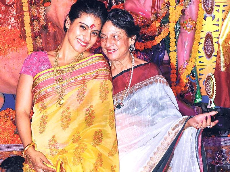 Kajol and mom Tanuja offered prayers at a Durga puja pandal in the Mumbai suburbs. (Photo: Yogen Shah)