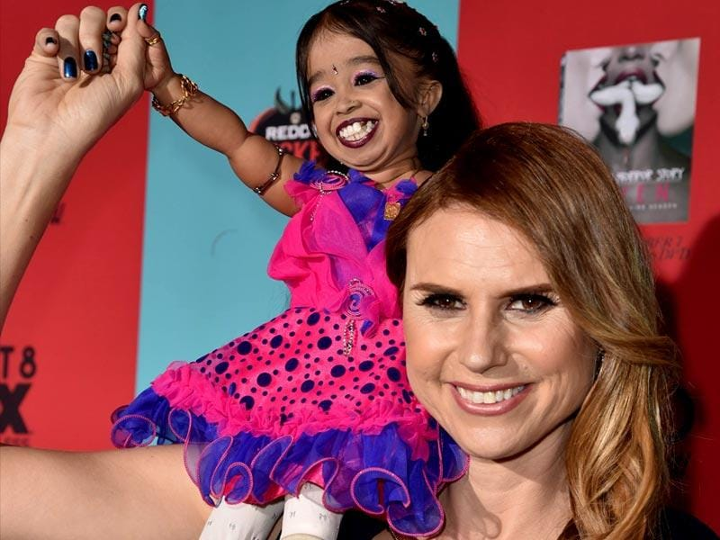 Jyoti Amge and Erika Ervin attend the premiere screening of FX's American Horror Story: Freak Show at TCL Chinese Theatre. (All Pics: AFP)