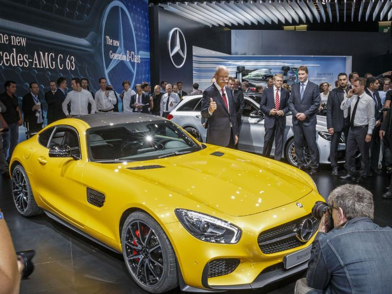Mercedes-AMG GT : Presented in person by Daimler CEO Dieter Zetsche in Paris, the new Mercedes-AMG GT is due to go on sale in spring 2015. Under the hood, the sports car has a new 4.0-liter twin turbo V8 engine with 462hp, enabling 0 to 100km/h acceleration in 4 seconds and a top speed of 304km/h. Photo:AFP