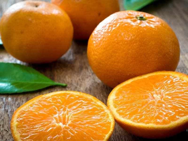 Oranges: Rich in vitamin C oranges instantly wakes you up. Good to have one while depressed.