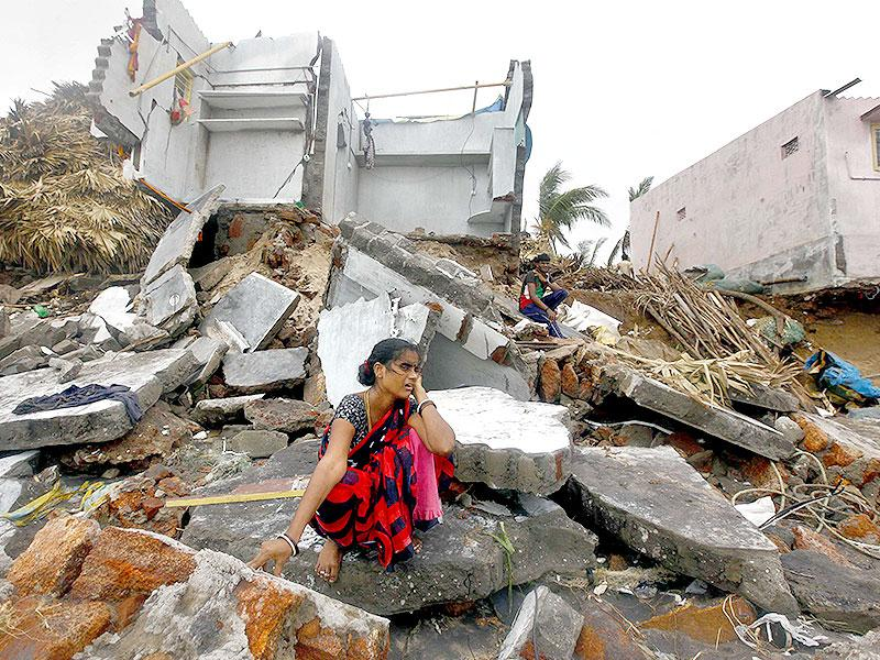 A picture of the swathe of destruction caused by cyclone Hudhud in Vizag. (Arun Sharma/ HT Photo)