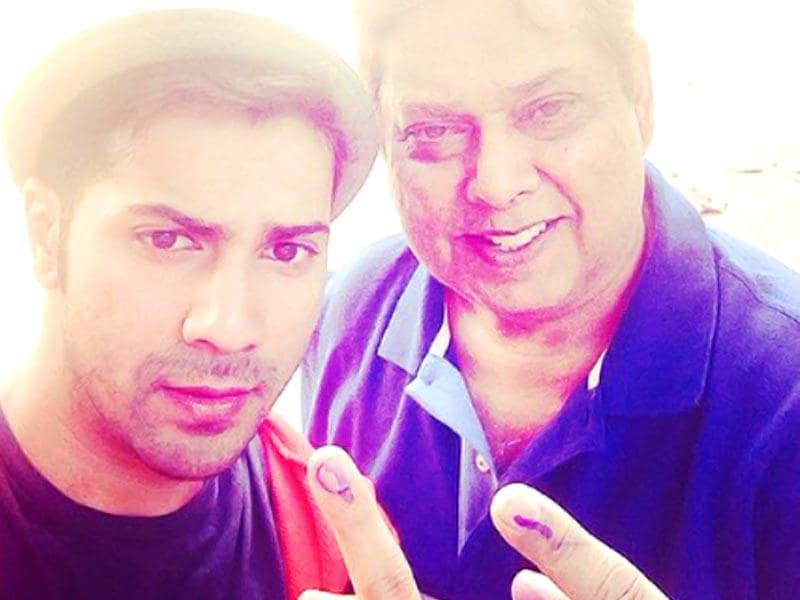Varun Dhawan and father David Dhawan in a voting selfie. (Courtesy: Twitter)