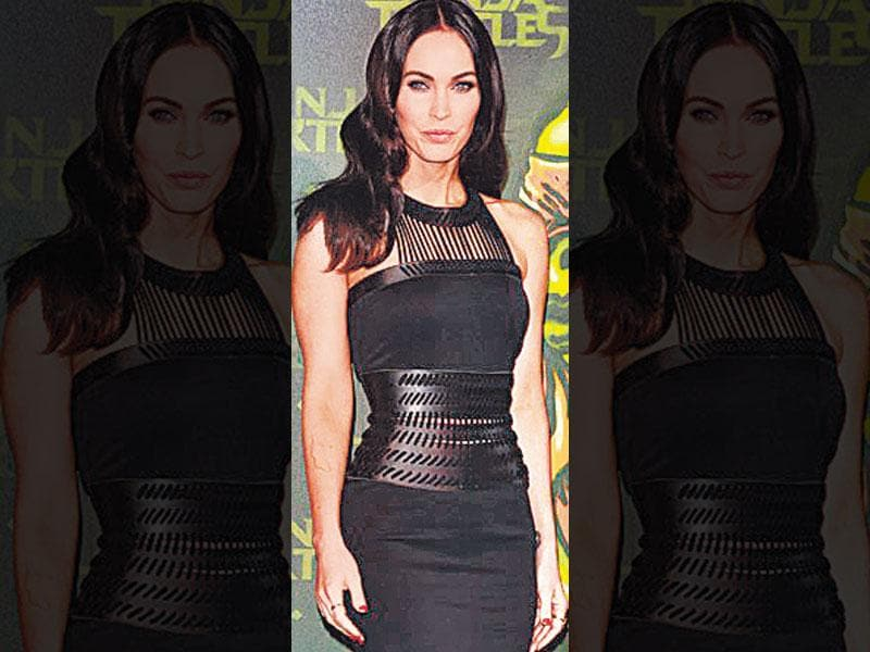 Actor Megan Fox looks glam in a leather corset gown, which hugs her in all the right places. Instead of going for an all-leather gown, you can opt for one with leather panel, corset or trimmings.