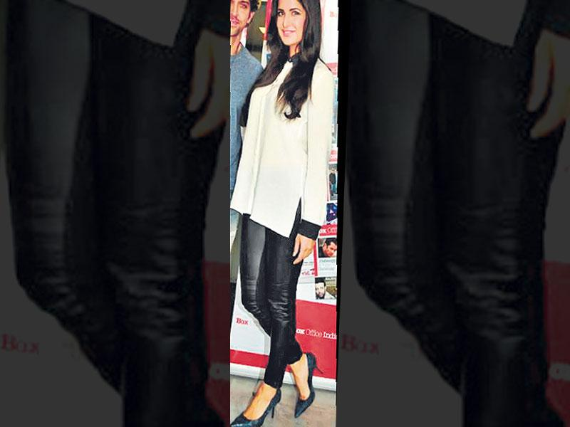 Leather leggings are a good option for those who want to play it safe. Katrina Kaif goes for skinny leather tights over a monochrome silk shirt. A simple look, but she looks stunning.