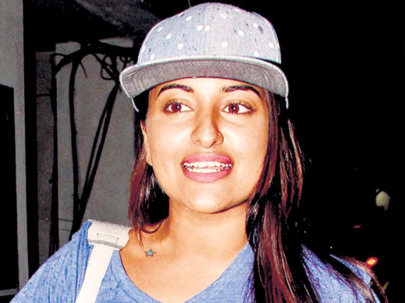 Actor Sonakshi Sinha wears a grey baseball cap with white polka dots that goes well with her casual look. You can take your pick from animal, cheery floral and abstract prints.