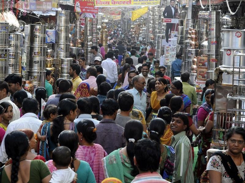People flocked to Bartan Bazaar on the occasion of Dhanteras, in Indore on Tuesday. (Arun Mondhe/HT photo)