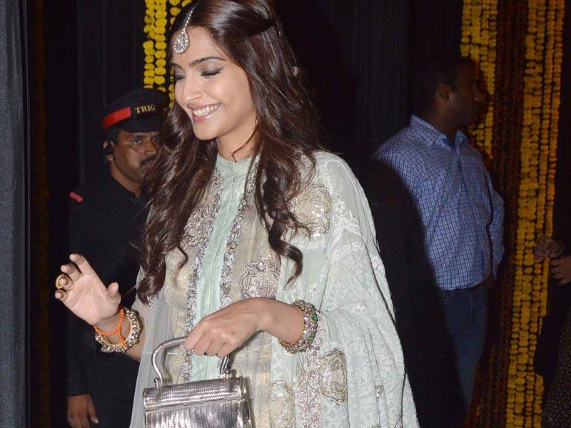 Sonam at her stylish best at the Diwali party. (HT Photo/Yogen Shah)