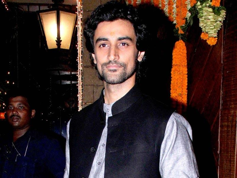 Kunal Kapoor seen at Big B's Diwali party (Yogen Shah, HT Photo)
