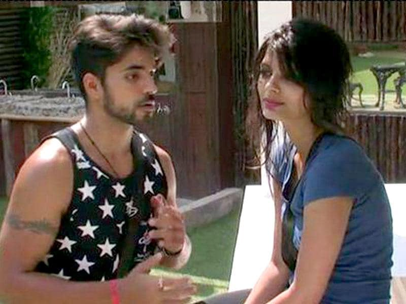 Lovebirds fighting? Gautam and Sonali.