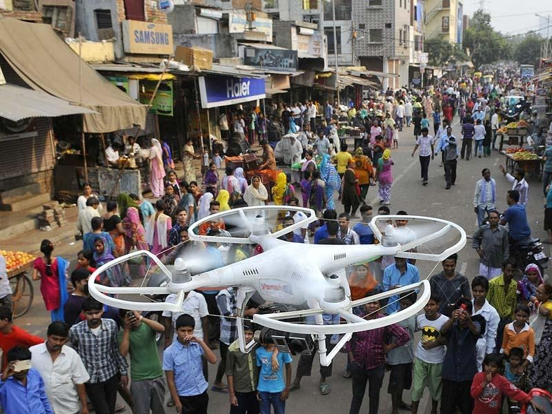 Police has deployed camera-equipped drones to take photos and videos of emergency situations at Trilokpuri as it continued to remain tense for the sixth straight day despite prohibitory orders being lifted for a few hours on Tuesday to allow people to make necessary purchases. (Mohd. Zakir/HT Photo)
