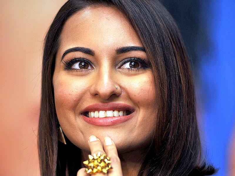 What's so funny, Sonakshi Sinha?