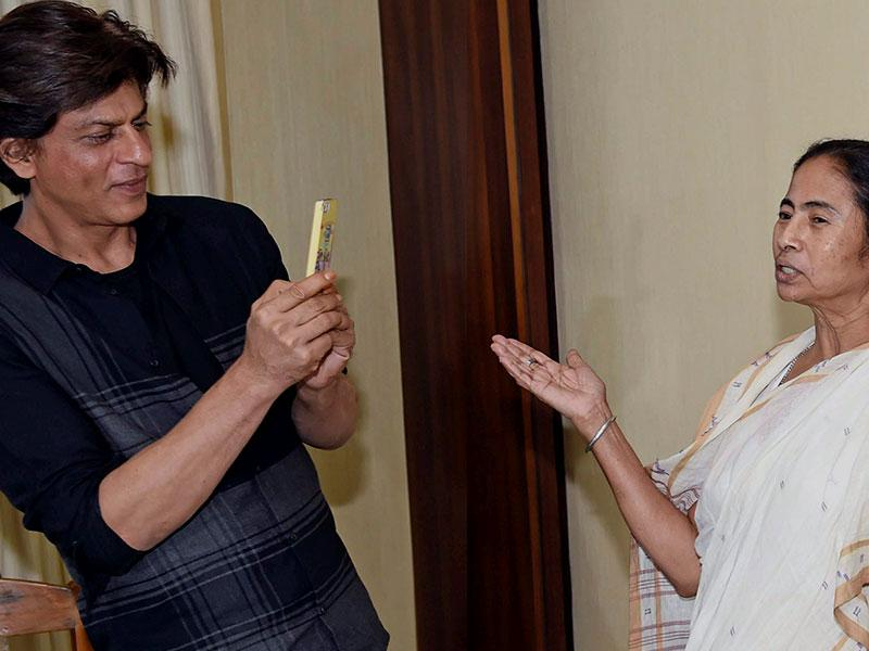 Shah Rukh and other stars of Happy New Year were in Kolkata to promote their film. (Photo: PTI)