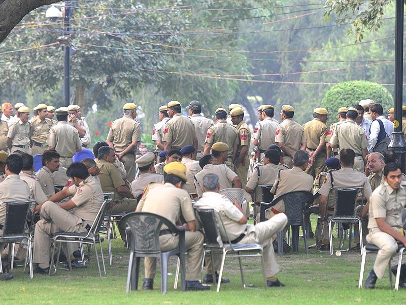 Delhi police personnel during their security drill briefing for