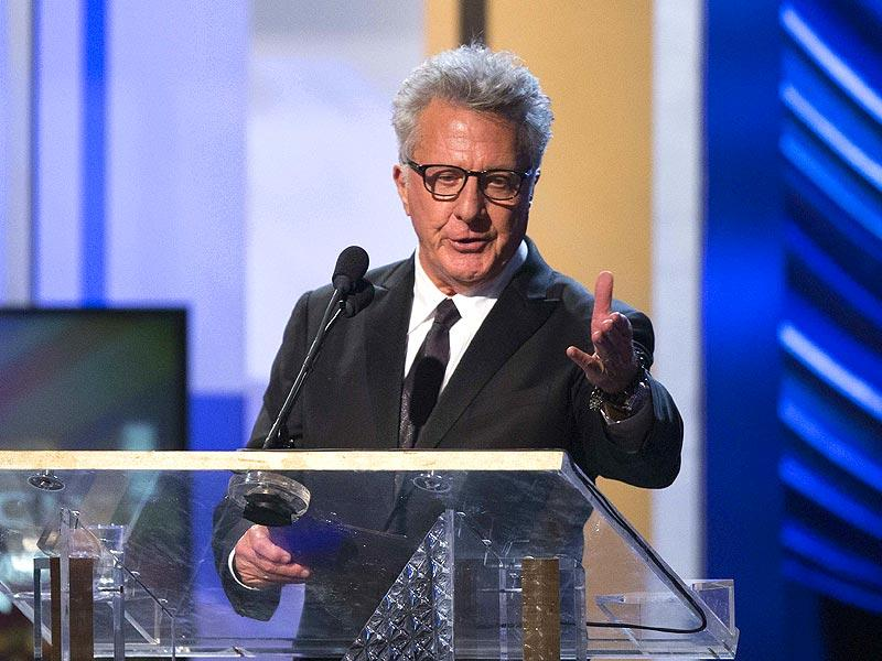 Actor Dustin Hoffman speaks at the BAFTA Los Angeles Britannia Awards at the Beverly Hilton hotel in Beverly Hills, California October 30, 2014. (Reuters)
