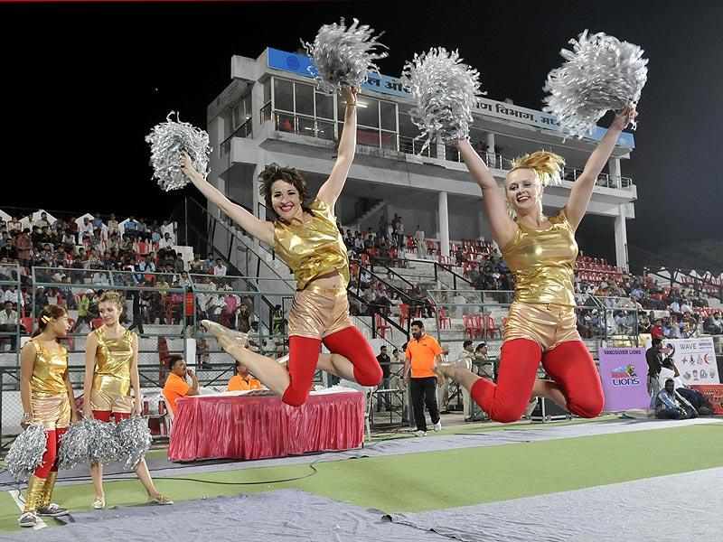 Cheerleaders at the WAVE World Kabaddi League match between United Singhs and Vencoover Lions in Bhopal on Friday. (Mujeeb Faruqui/HT photo)