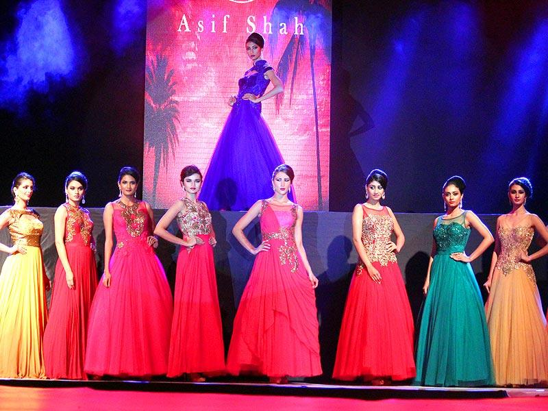 Models walk the ramp at designer Asif Shah's fashion show in Indore on Friday. (Shankar Mourya/HT photo)