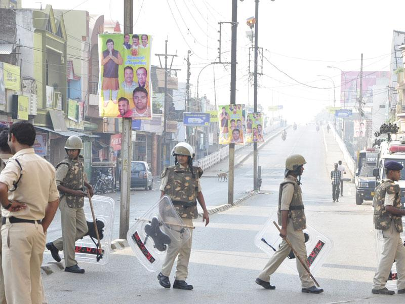 Tension prevailed in Begumbagh area of Ujjain recently after police received a complaint that unidentified persons had hurled a petrol bomb at a religious place. (Sunil Magariya/HT file photo)