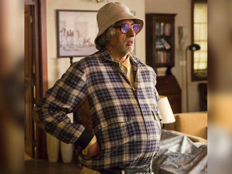 First look of Amitabh Bachchan on the sets of Piku.