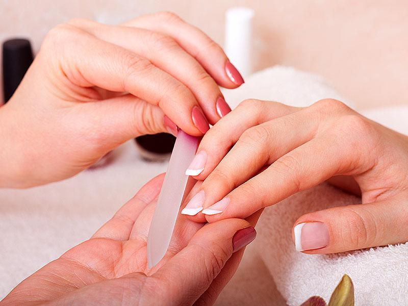 One day before: Nails and skinNow that your hands are fully moisturized, it's time to think about your nails. All eyes will be on your hands during the exchange of the rings, so it's best to avoid chipped nail polish by waiting until the last minute to get your manicure.