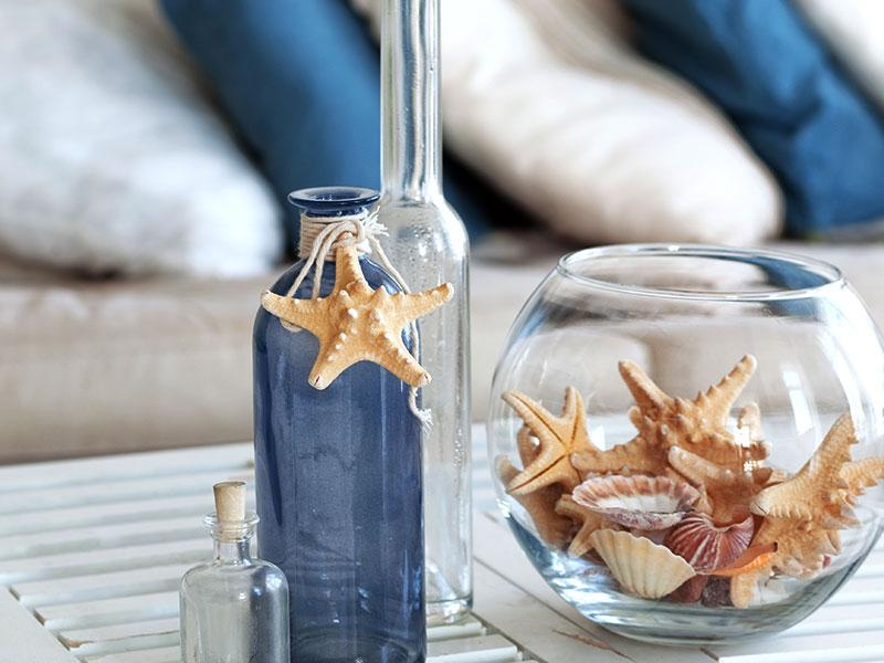 Add fun touches to your house with our quirky yet do-able home décor ideas. These minor changes are pocket-friendly too! (Photos: Shutterstock) Throw out those ugly coloured pebbles out of your house. Instead, adorn your glass bowl with starfishes. Looks better, looks different!