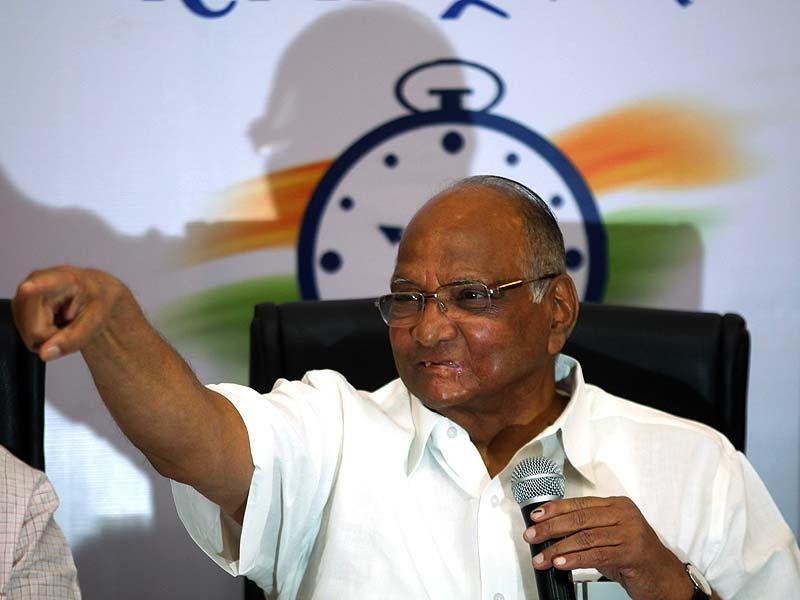 NCP chief Sharad Pawar interacts with the media in Mumbai.(Kunal Patil/HT photo)